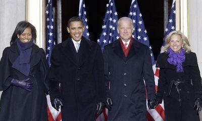 Tặng quà bất ngờ cho người tiền nhiệm, phu nhân Biden thể hiện tình bạn thân thiết với bà Obama