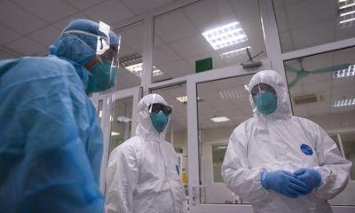 Một nhân viên ngân hàng ở Hà Nội nhiễm COVID-19, là F1 của bệnh nhân công chứng viên