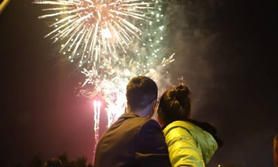Lời chúc Tết xuân Tân Sửu 2021 gửi tới vợ, chồng hay và ý nghĩa nhất