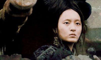 Nữ cướp biển nổi tiếng bậc nhất Trung Quốc: Từ kỹ nữ xinh đẹp tới 'nữ hoàng hải tặc' khiến nhà Thanh bất lực