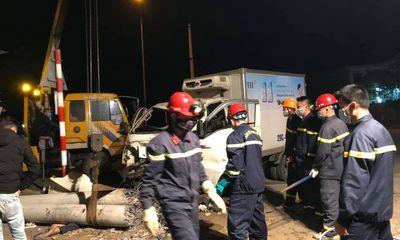 Tin tai nạn giao thông ngày 6/2: Va chạm kinh hoàng với ô tô trong đêm, 3 người tử vong thương tâm