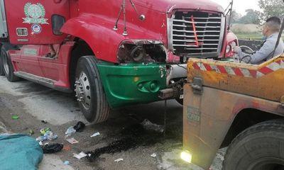 Tin tai nạn giao thông ngày 7/2: Va chạm container, nữ công nhân môi trường tử vong