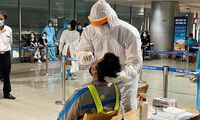 TP.HCM: 30 F1 của nhân viên sân bay Tân Sơn Nhất có kết quả xét nghiệm