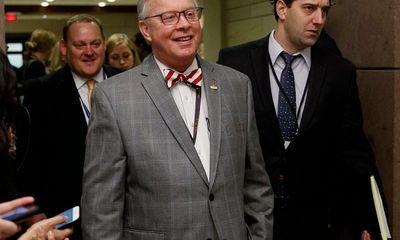 Nghị sĩ Mỹ đầu tiên qua đời khi đang được điều trị COVID-19