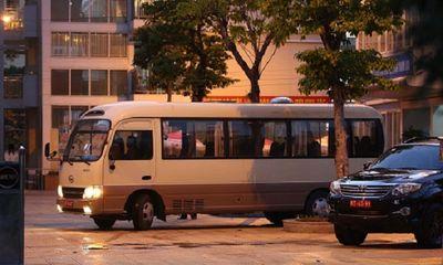 28 học sinh và phụ huynh của trường TH Xuân Phương rời khu cách ly, về nhà ăn Tết