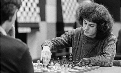 Thiên tài cờ vua nước Anh chọn