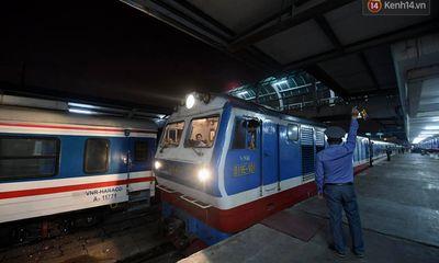 Chuyến tàu cuối cùng năm Canh Tý rời ga Hà Nội, gần 60 hành khách từ Thủ đô về quê đón Tết