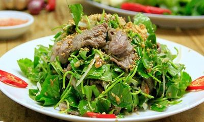 Gỏi rau má thịt bò thanh mát, siêu chống ngán sau Tết