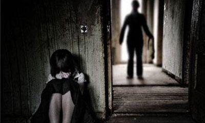 Đắk Lắk: Khởi tố nam thanh niên 17 tuổi giở trò đồi bại với bé gái 10 tuổi