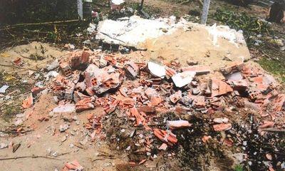 Tiền Giang: Đào mộ đốt hài cốt mẹ vợ của con nợ do không đóng lãi