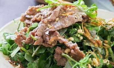 Thịt bò trộn rau càng cua đủ chất dinh dưỡng, lại giúp da đẹp lên trông thấy