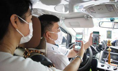 Từ 25/3, tài xế phải công khai thông tin gì với khách đi taxi?