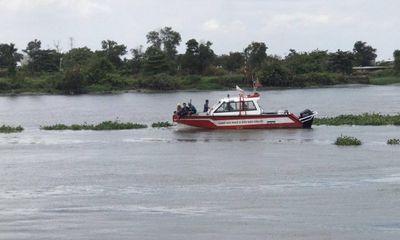 Để lại xe máy trên cầu, người đàn ông 53 tuổi nhảy sông Sài Gòn tự tử