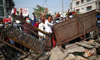 Biểu tình leo thang tại Myanmar, ít nhất 18 người thiệt mạng