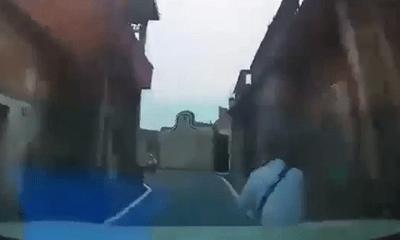Video: Ô tô đi với