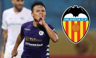 Vì sao CLB Valenica muốn chiêu mộ Quang Hải về thi đấu?