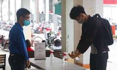 Hàng nghìn sinh viên đại học ở Hà Nội trở lại trường học từ hôm nay (8/3)