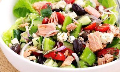 Salad ức gà, ớt chuông cho hội chị em muốn đủ chất mà vẫn giảm được cân