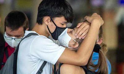 Philippines: Cặp đôi bị cấm ôm hôn ở nơi công cộng để ngừa dịch COVID-19