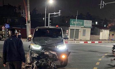 Xe máy đấu đầu ô tô giữa ngã tư, 2 thiếu niên 16 tuổi tử vong