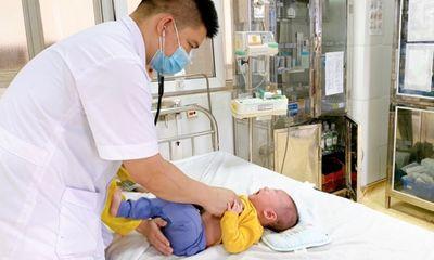 Tin tức đời sống ngày 16/3: Bé 5 tháng tuổi bị rửa mũi nhầm bằng cồn 90 độ