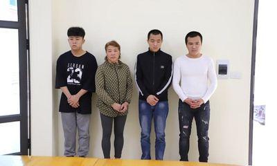 Cả nhà 4 người bị khởi tố vì đánh công an còn livestream vu khống