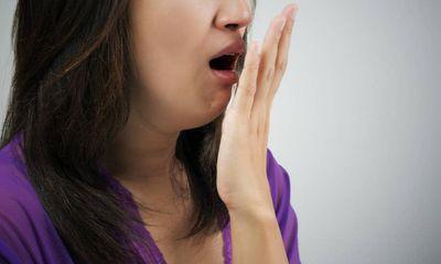 7 loại thực phẩm có thể gây hơi thở khó chịu dù bạn có thói quen vệ sinh răng miệng tốt