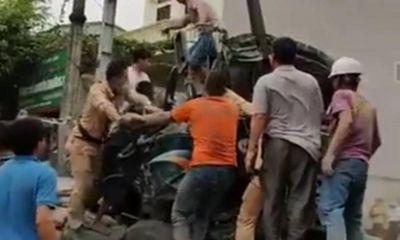 Đưa xe tải đâm chết người đi cân tải trọng, ô tô lại gặp tai nạn khiến tài xế tử vong