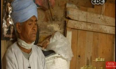 Người phụ nữ hơn 40 năm sống dưới bộ dạng đàn ông, bí mật phía sau cảm động rơi nước mắt