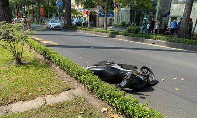 Phát hiện người đàn ông nước ngoài tử vong cạnh xe máy ở TP.HCM