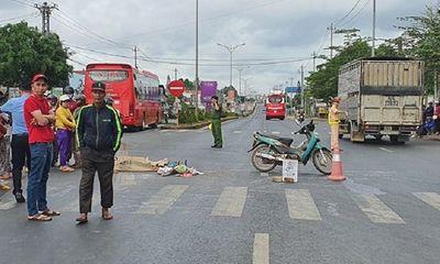 Đắk Lắk: Xe khách va chạm xe máy chở 3 người, 1 phụ nữ tử vong tại chỗ