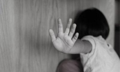 Ba con gái đều bị cha dượng lạm dụng tình dục, mẹ biết chuyện nhưng phản ứng gây ngỡ ngàng