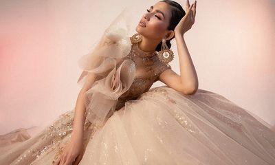 Á hậu Trương Thị May đẹp lộng lẫy trong chiếc váy cưới đuôi cá đầy quyến rũ