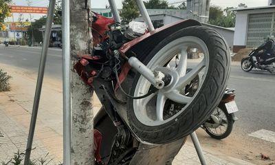 Tin tai nạn giao thông ngày 28/3: Nữ tài xế nhập viện sau khi cho xe máy
