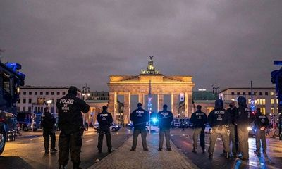 Đức: Dịch COVID-19 lây lan mạnh, Bộ trưởng Y tế kêu gọi