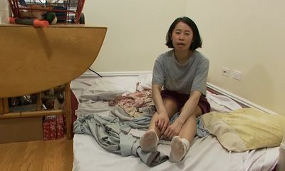 Tiết kiệm tiền mua nhà ở Mỹ, cô gái gây sốc với thói quen kiếm đồ ăn trong thùng rác