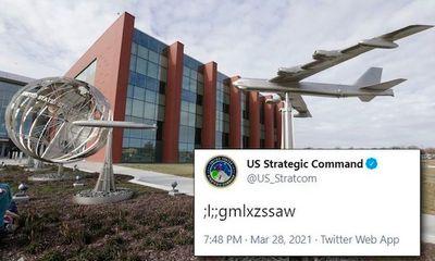 Quân đội Mỹ gây tranh cãi với bài đăng ký tự lạ trên Twitter