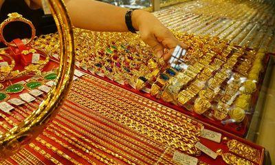 Giá vàng hôm nay 31/3: Giá vàng SJC tiếp tục giảm thêm 300.000 đồng/lượng
