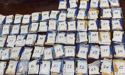Phát hiện gần 4kg ma túy cất giấu trong gói thức ăn cho mèo ở sân bay Tân Sơn Nhất