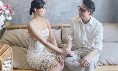 Tin tức giải trí mới nhất ngày 2/4: Nghi vấn Phan Mạnh Quỳnh sắp kết hôn với bạn gái kém 4 tuổi