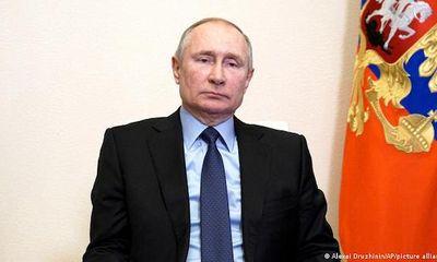 Tổng thống Nga Putin ký đạo luật cho phép bản thân tiếp tục tranh cử