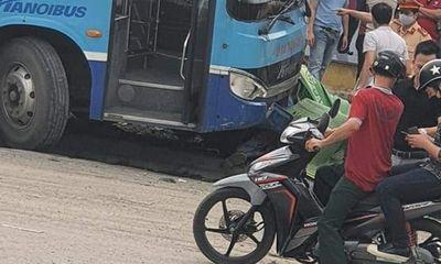 Hà Nội: Xe buýt tông chết người đi bộ trước cổng khu đô thị Ciputra