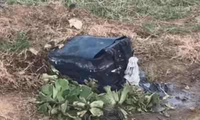 Đào được chiếc vali lạ, công nhân vệ sinh tái mét mặt khi một thứ rơi ra, hoảng loạn gọi cảnh sát