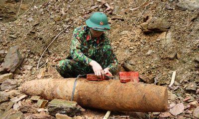 Đào móng nhà, phát hiện quả bom