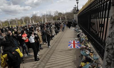 Khung cảnh u buồn của nước Anh sau sự ra đi của Hoàng thân Philip