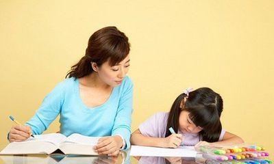 Dạy con làm bài đặt câu, mẹ ôm đầu bất lực trước thành quả có 1-0-2