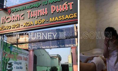 Bắt quả tang 2 nữ nhân viên kích dục cho khách ở quán massage: