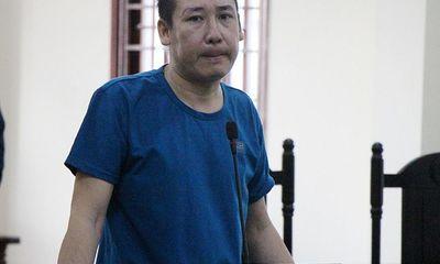 Cha ruột bạo hành con gái chưa đầy 1 tuổi rồi gửi clip cho vợ hầu tòa