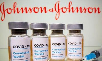 Mỹ khuyến cáo dừng tiêm vaccine ngừa COVID-19 của Johnson & Johnson