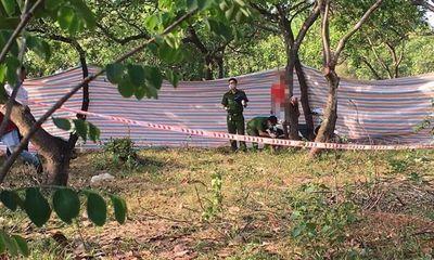 Hoảng hốt phát hiện người đàn ông chết trong tư thế treo cổ trên cây điều
